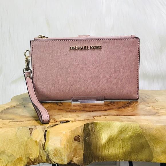 966b1b3e3860 Michael Kors Bags | Jet Set Travel Double Zip Wristlet | Poshmark